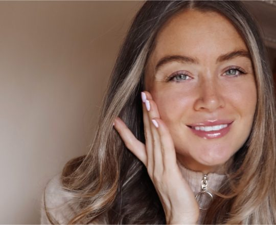 Esthederm photo, Women, Institut Esthederm, made in France, Professional skincare for youthful looking skin, Esthederm Canada